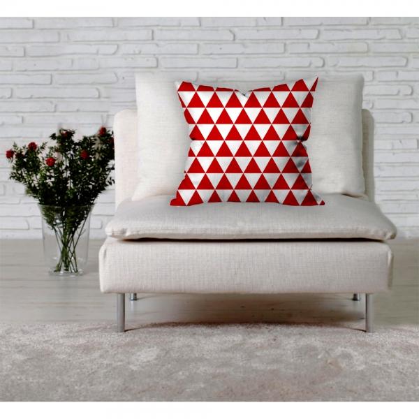 Kırmızı Beyaz Üçgen Motif Kırlent
